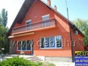 Balatonboglári vízközeli, 2 szintes, felújított családi lakóház eladó