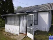 Balatonbogláron jó adottságokkal rendelkező telken lakóház eladó!