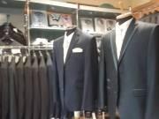 Esküvői üzleti és alkalmi öltönyök