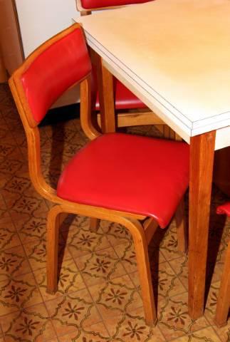 Kinyitható konyha asztal olcsón eladó - Budapest VI. kerület ...