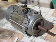 Villanymotor és centrifuga motor