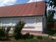 Családi ház azonnal beköltözhetően eladó!