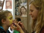 Gyerekjátszóház, kézművesfoglalkozás, arcfestés