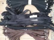 újj! zipzár 55-60 cm fekete-barna