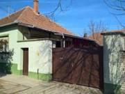 Jánoshalmán a Remete utcában bútorozott családi ház eladó