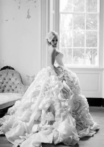 b50190308f Designer Egyedi Menyasszonyi ruha saját elképzelés alapján MÁR ...