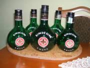Üres üvegek dekorációs célra, kreatív felhasználásra