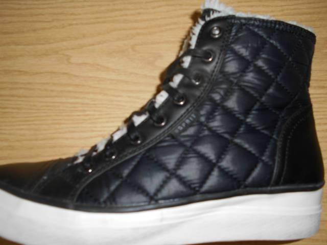 5c4d9e5360 Esprite cipő - Salgótarján - Ruházat, Ruha