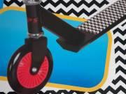 ÚJ összecsukható gyermek roller (scooter) eladó. Piros színű kerék, markolat.