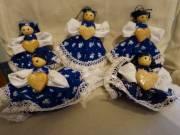 Matyó kékfestő ruhás függő babák eladók.