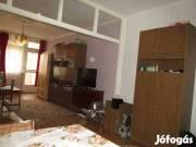 Debrecen Nagyerdőn a Gvadányi utcán 67 nm-es 2 szobás+ étkezős lakás kiadó