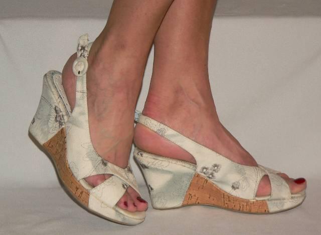 Hoyvoy mintás telitalpú vászon szandál cipő 38
