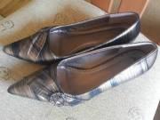 Törpetűsarkú kényelmes alkalmi cipő 39-es méretben fotó