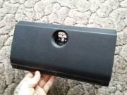 Suzuki SJ Samurai kesztyűtartó ajtó fotó