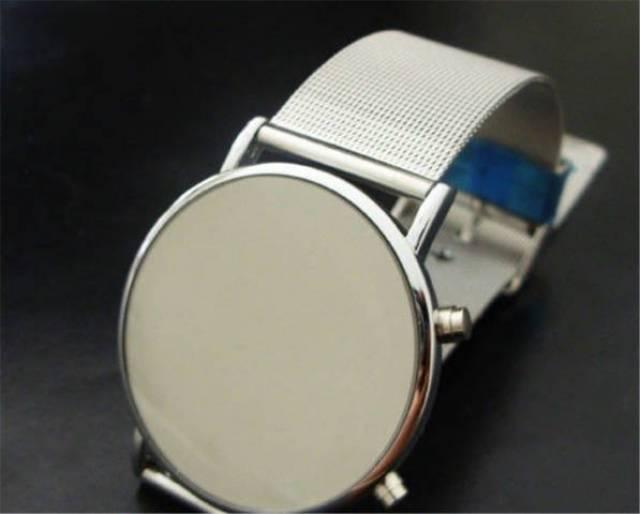 Futurisztikus LED kijelzős digitális óra GEEK-eknek - Kisújszállás ... cca0960887