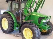 Traktor John Deere 58D20 A homlokrakodó, fotó