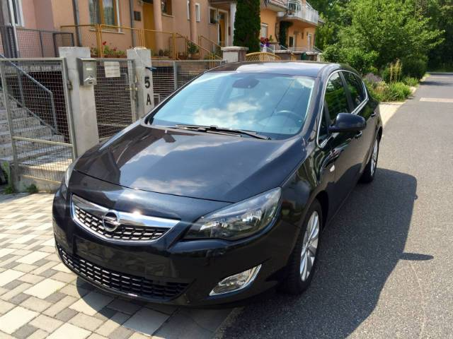 opel astra j 1 7cdti b r navi 131le cosmo sport budapest. Black Bedroom Furniture Sets. Home Design Ideas