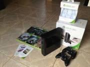 Xbox 360 E konzol, 2 kontroller, 8 játék