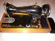 Db. eladó retro Singer varrógép