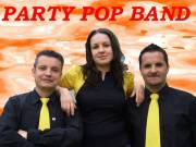 A tatai PARTY POP BAND SZINTETIZÁTOROST KERES!