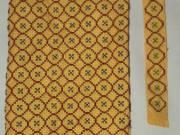 Sárga hímzett kézimunka könyvborító és könyvjelző