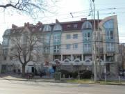 Szeged belváros közeli befektetésnek is kiváló lakás bérlővel is eladó irodának lakásnak is alkalmas
