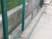 Táblás kerítés, oszlop és tartozékok