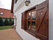 Balaton-felvidék környezetére jellemző,népi építészeti hagyományokat hordozó, modern ház eladó !