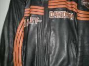 Harley Davidsonos bőrkabát