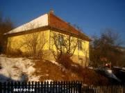 Eladó családi ház, Somoskőújfalu csendes utcájában, nagy telekkel.