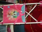 Jégvarázs (Frozen) esernyőre csukható babakocsi játékbabának Új!
