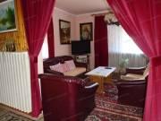 Biri központi részén jó állapotú 300 m2-es 5+1 szobás családi ház eladó!
