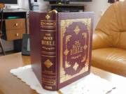 Biblia (angol nyelvű) eladó
