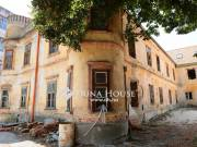 Belvárosi várpanorámás, felújítandó lakóház - Veszprém
