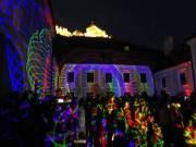 Épületek - Várak - Kastélyok zenére komponált egyedi LED fényfestése