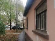 Szolnokon a Pozsonyi úton felújítandó vályog családi ház eladó!