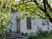 Szolnokon a Perczel Mór utcában sürgősen áron alul eladó kétgenerációs családi ház, Pletykafalu
