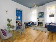 Valódi elegancia, igazi luxus lakás, sétálóutcában, részpanorámával az Erzsébet térre és a Mátyás te