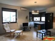 Szeged Belváros, Szentháromság utcai, 2 szobás, 2 .emeleti újonnan bútorozott lakás kiadó, Szentháro