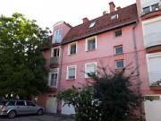 Szegeden a Csöndes utcában 3 szobás lakás , udvari gépkocsi beállással eladó, Móraváros, Csöndes utc