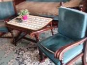 2 db koloniál fotel + asztal eladó