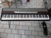 Korg SP-250 elektromos színpadi zongora állvánnyal