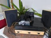 Régi fényképezőgép és lemezjátszó