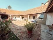 ÁRCSÖKKENÉS! Gyöngyös Főtér közeli 116nm, belső udvaros, pincézett ház eladó 0058, Felsőváros