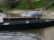 Eladó 5 m-es horgászcsónak 9.8 LE-s 1 éves, négyütemű japán garanciális motorral