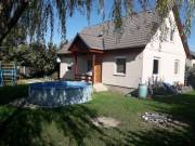 Beköltözhető állapotú családi ház Tatán!