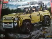 Eladó lego technic land rover 42100