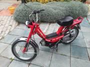 Garázsban tartót Suzuki Vmatic motorkerékpár
