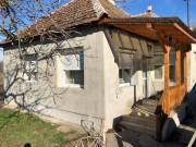 Eladó Tápiószentmárton (Göbölyjárás) teljesen felújított családi ház