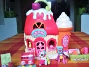 My little pony Ponyville fagyi-cukrászdaház 2 pony+18 kiegészítő. Hasbro termék. T:06309118321